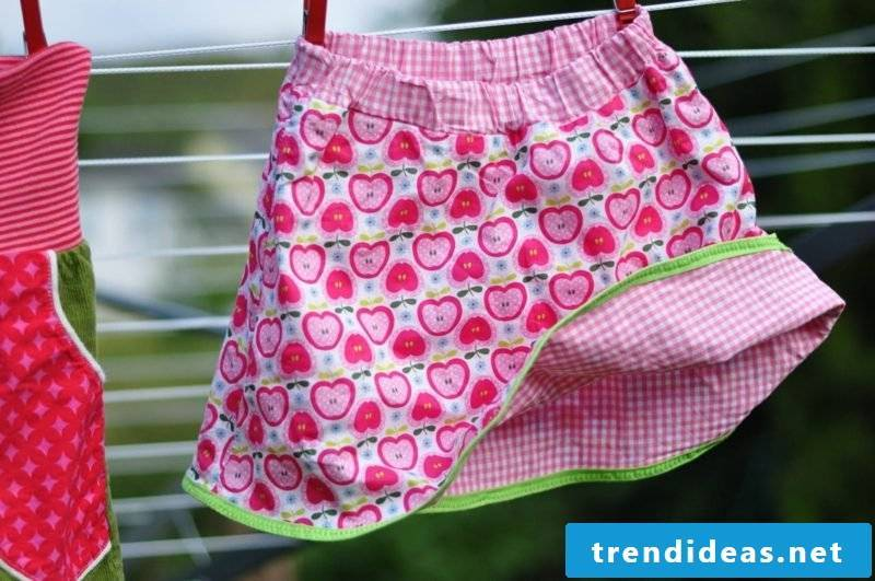 Children's clothing sew skirt