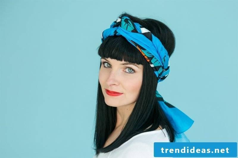 Headscarf tie vintage