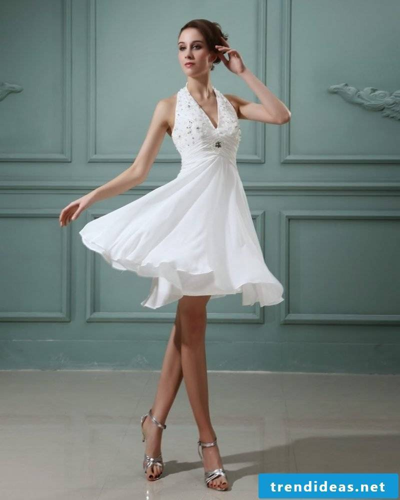Short wedding dress - which figure fits?