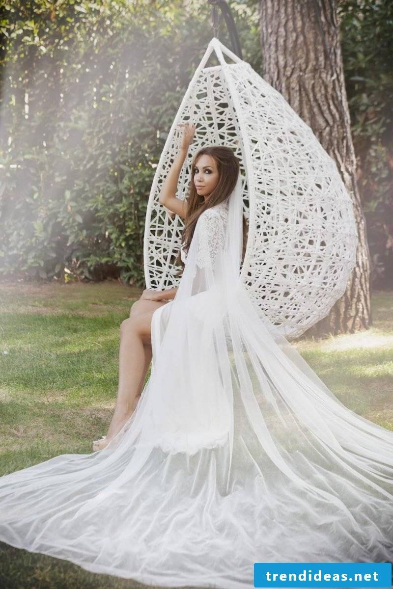 buy the right wedding dress - tips for the dress