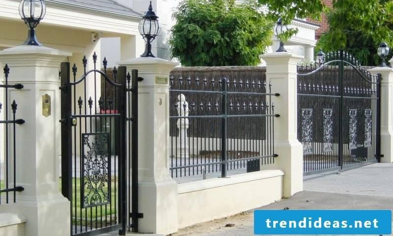 Garden gate itself build metal gate