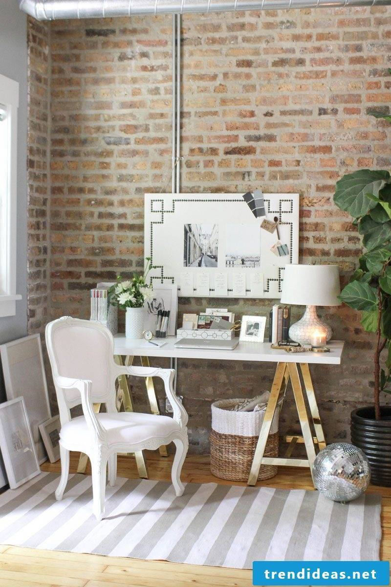 Make a memo board yourself and create a charming ambience