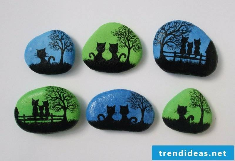 painted stones cats