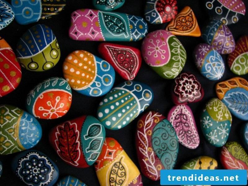 painted stones colorful decoration ideas
