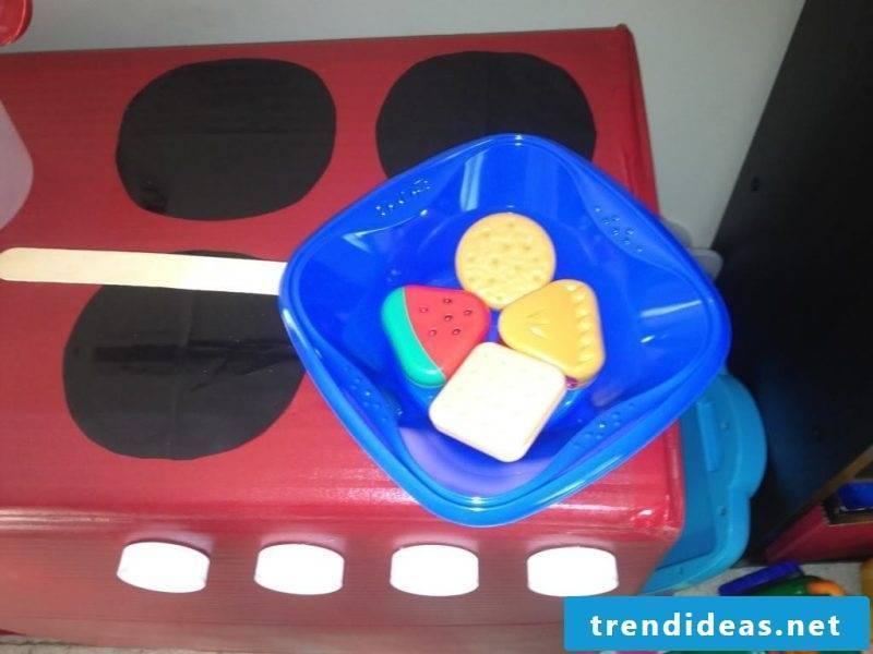 Children's kitchen build instructions - Step 8