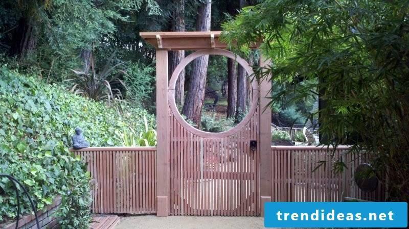 Garden gate itself build creative design