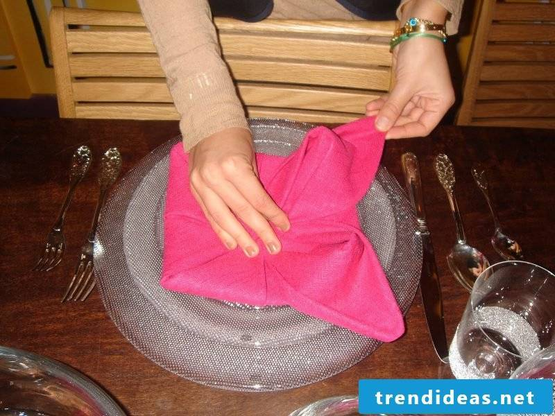 Star napkins fold step 11