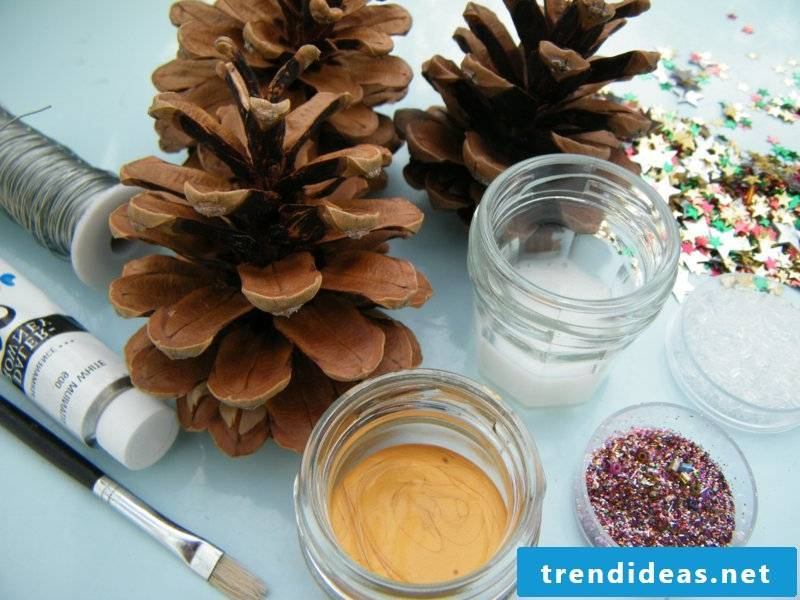Tinker with pine cones and glitter