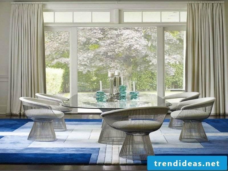 blue-white dream carpet in the dining room