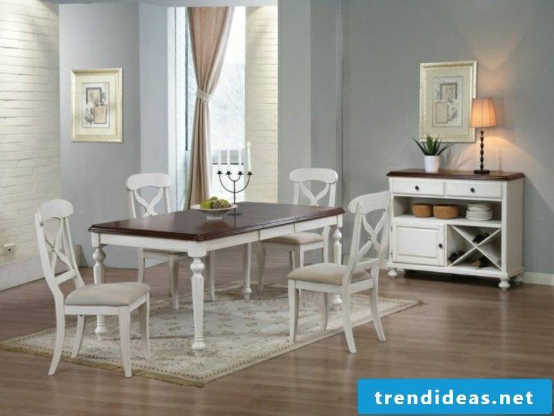 beautiful schlichetr dream carpet in the dining room
