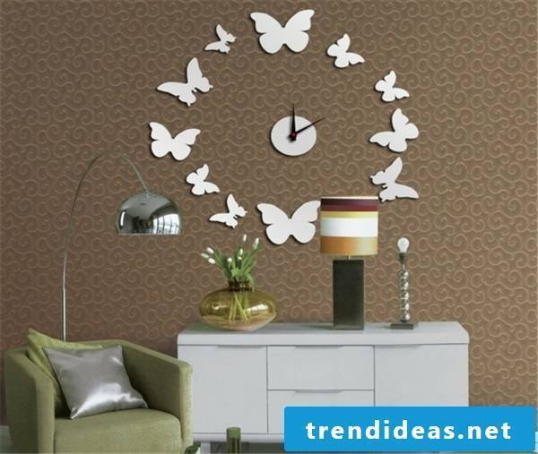 Another idea with butterflies for the painted wall clock