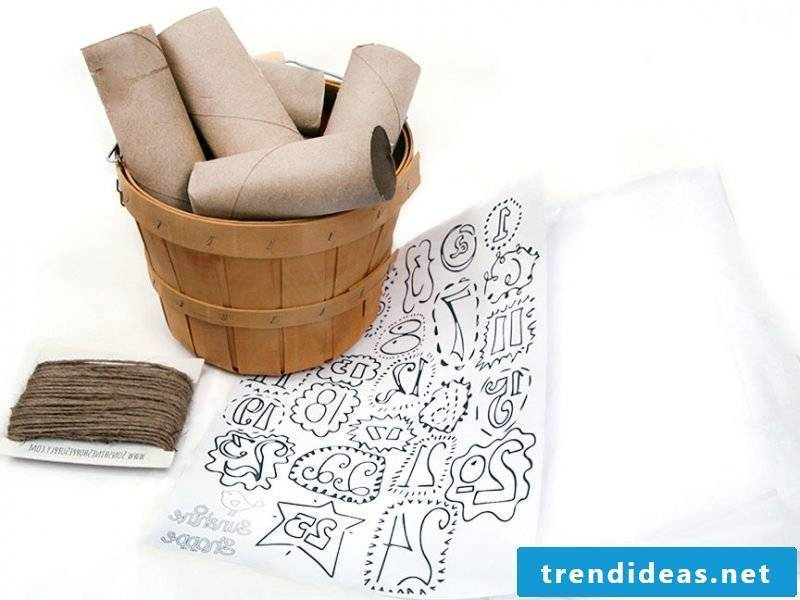 Christmas motifs to print DIY advent calendar with toilet paper rolls