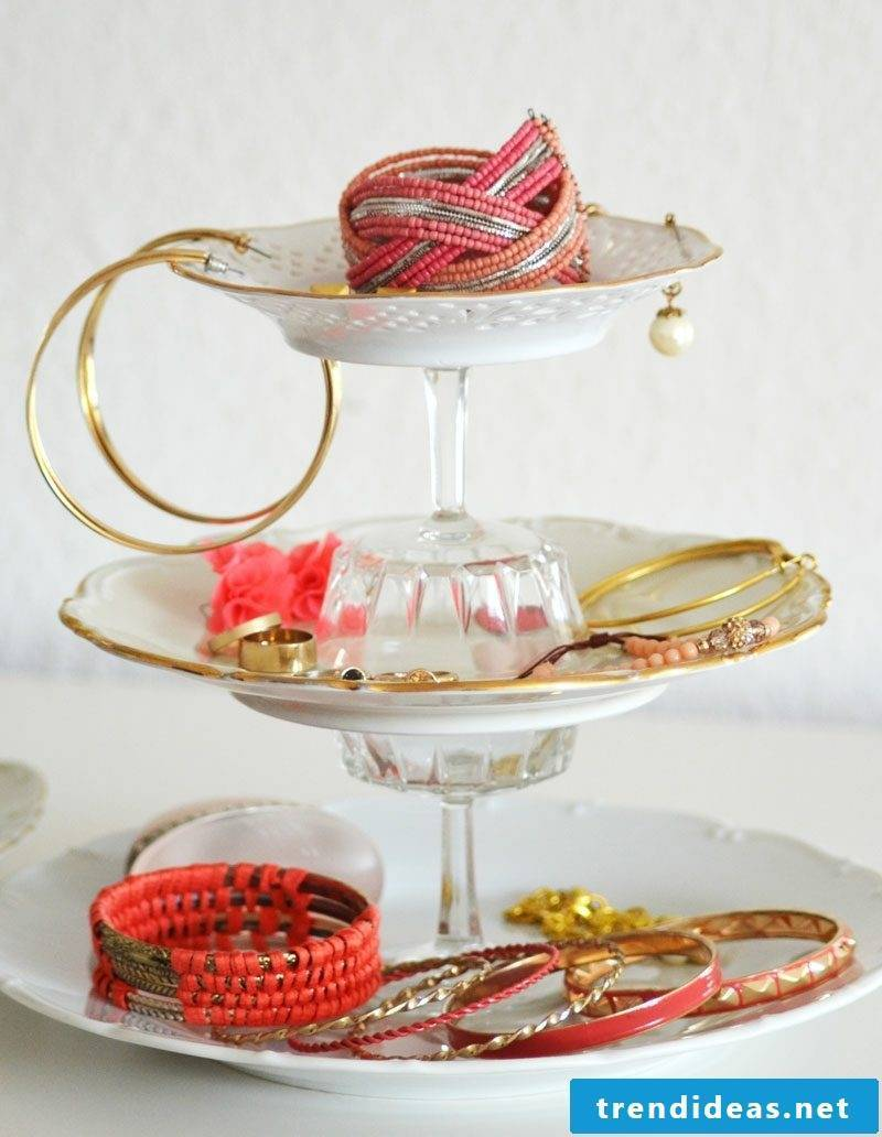Jewelery stand Etagere
