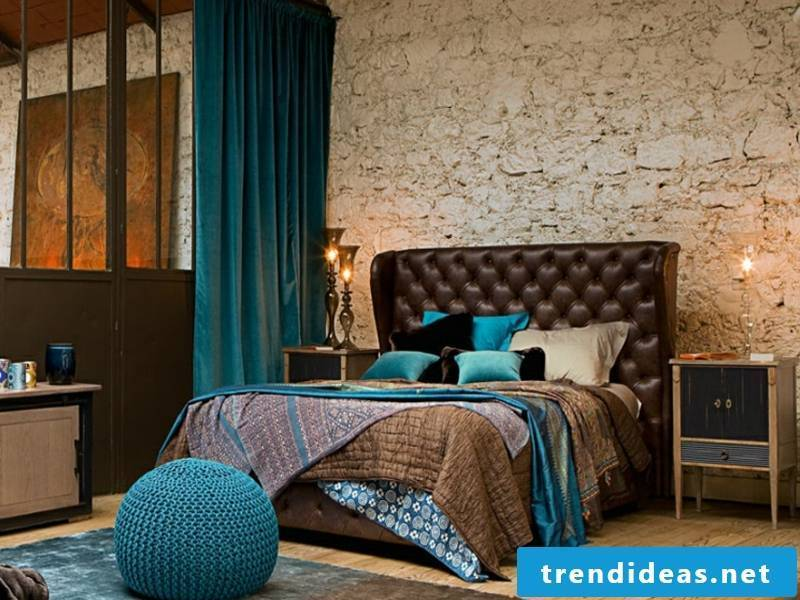 modern and vintage style in the bedroom
