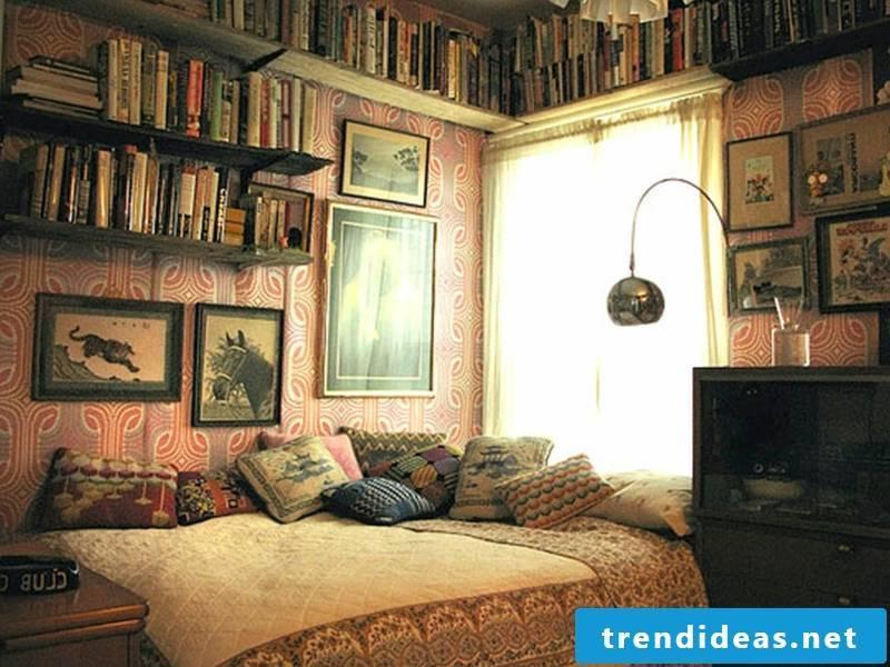 Wallpaper for vintage atmosphere