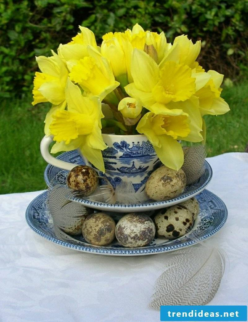 Floral arrangements Easter narcissus