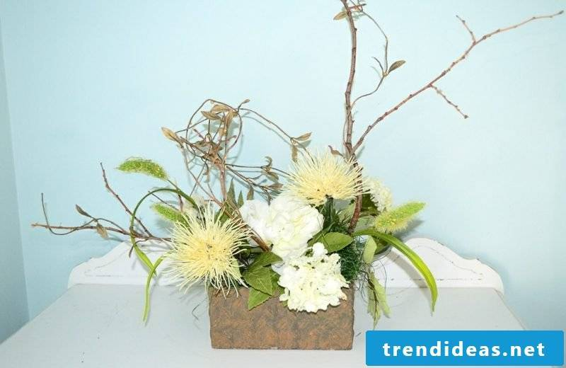 Floral arrangements arrange autumn and winter