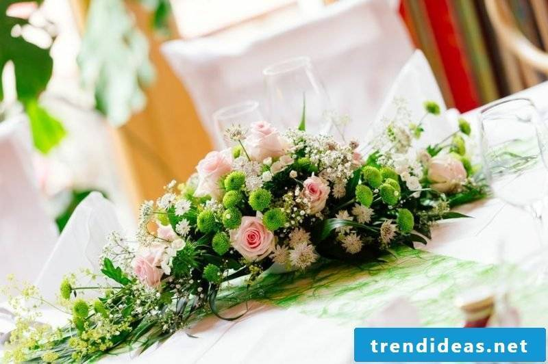 Floral arrangements roses wedding