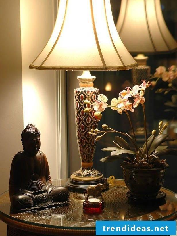 Asian furniture: decorative elements