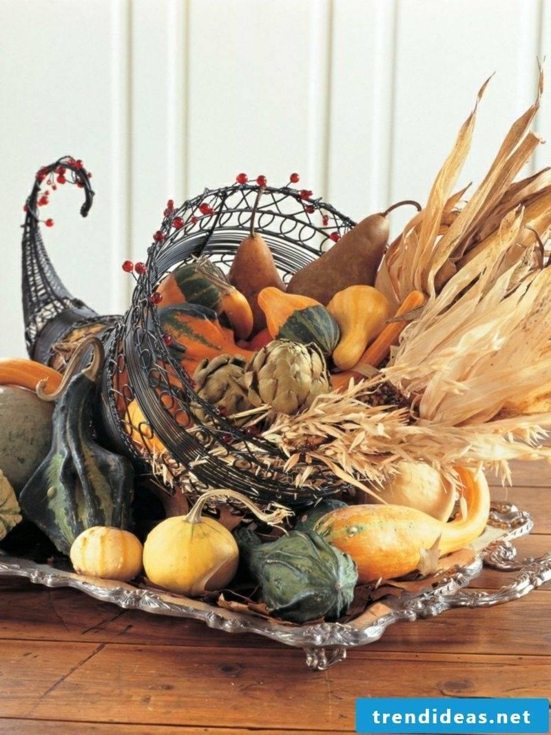 DIY craft ideas Autumn decoration for the house entrance