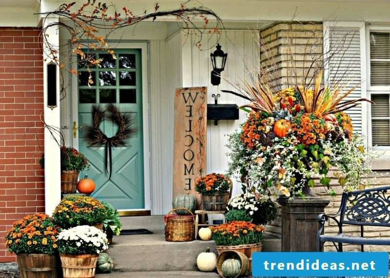 Autumn decoration for the house entrance and the terrace wonderful ideas