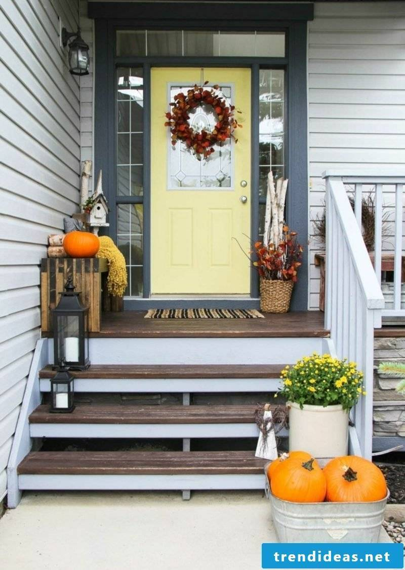 Make autumn decoration for the house entrance itself