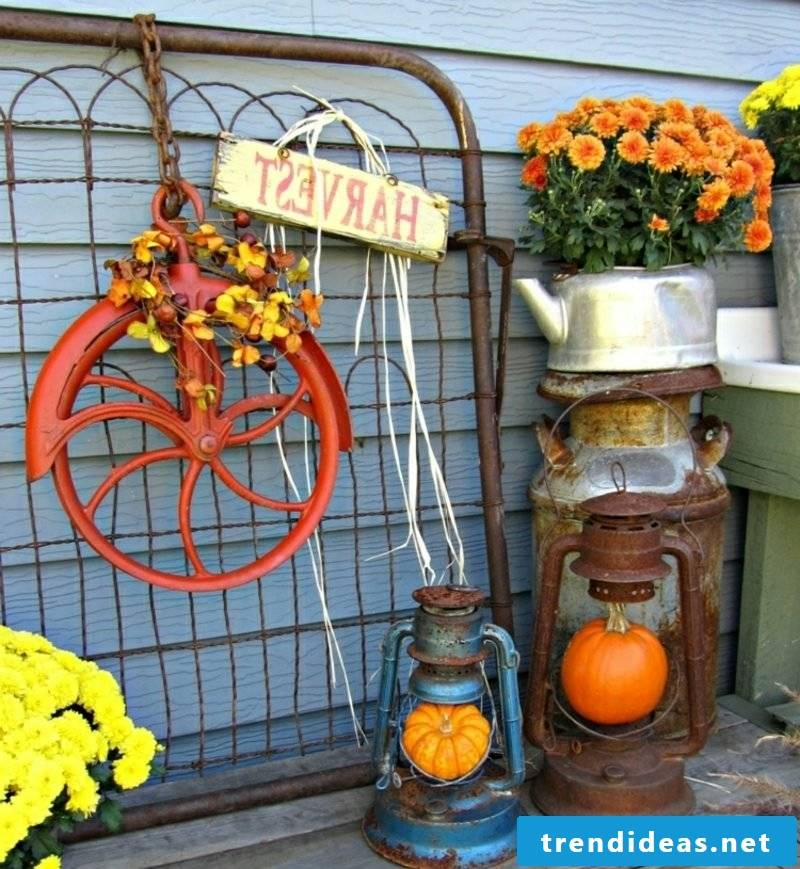 Autumn decoration for the entrance and the outside area