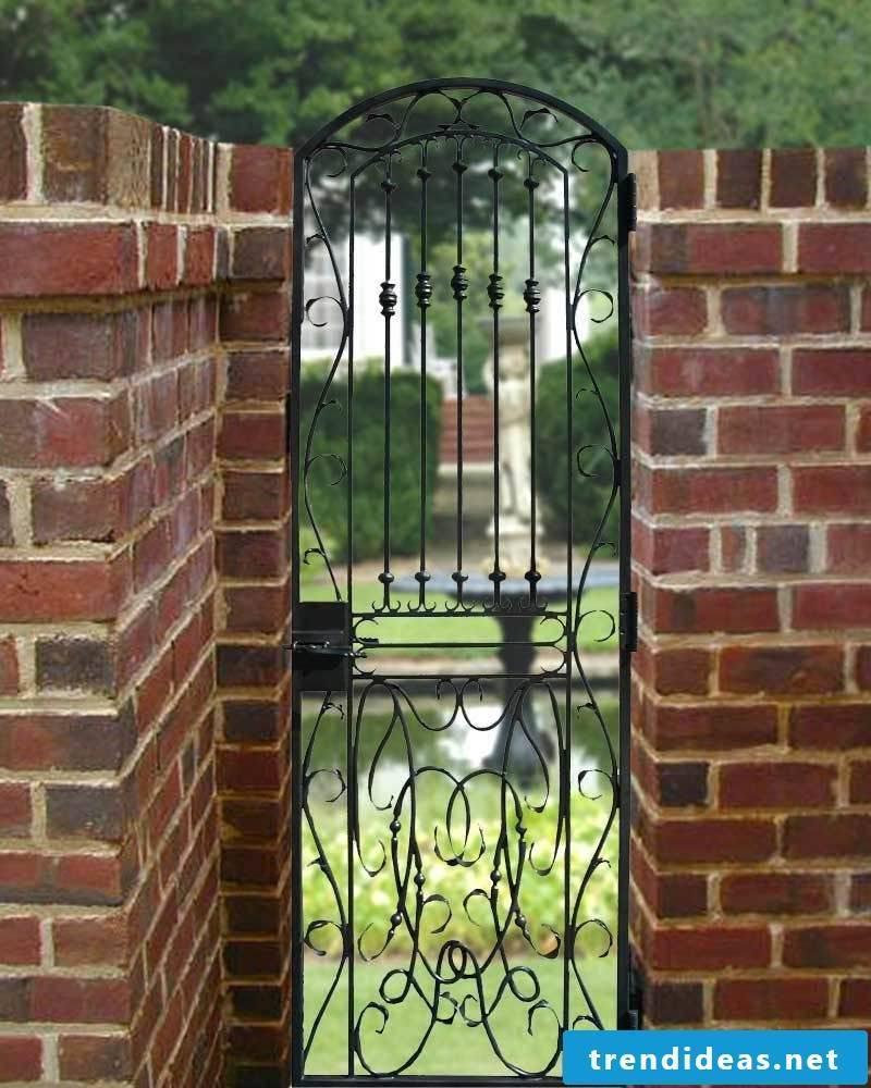 Build garden gate yourself