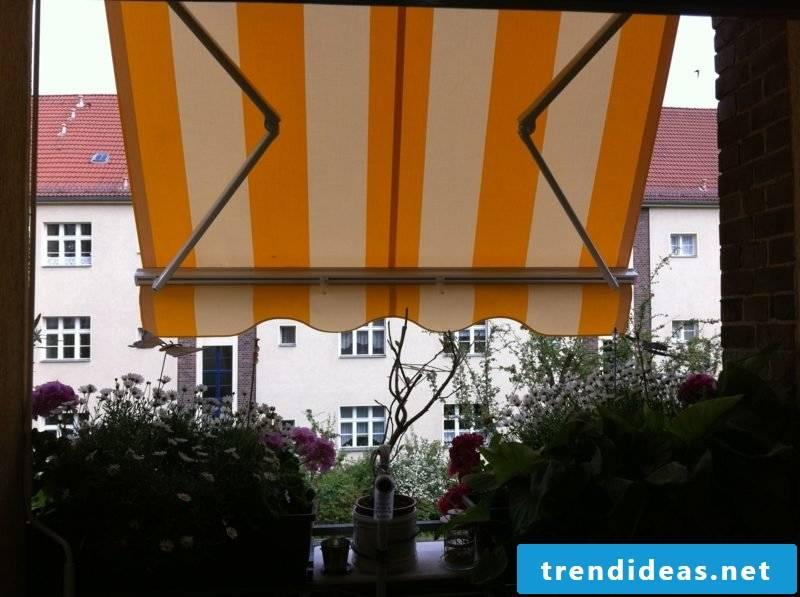 Balcony awning stripes