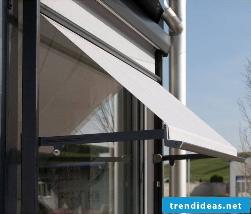 Balcony awning as a visual and weather protection