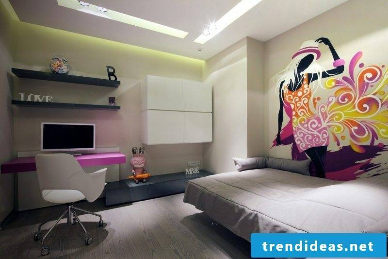 Bed without headboard in teen room