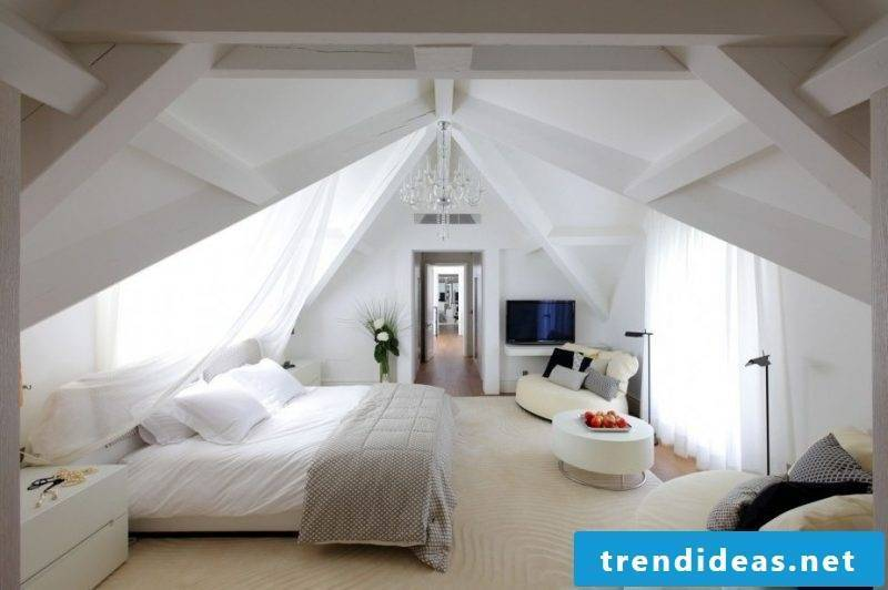 Bed without headboard for roof pitch