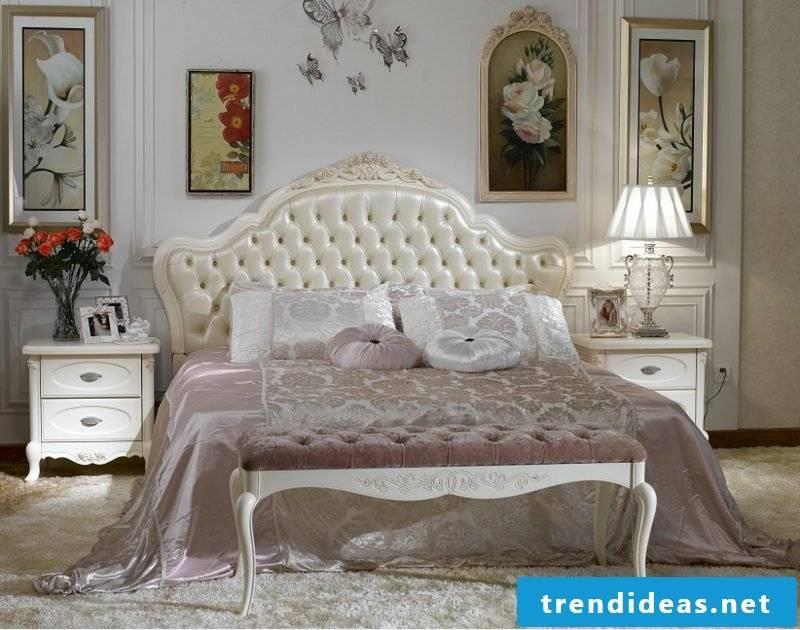 Bedroom set up baroque furniture huge bed
