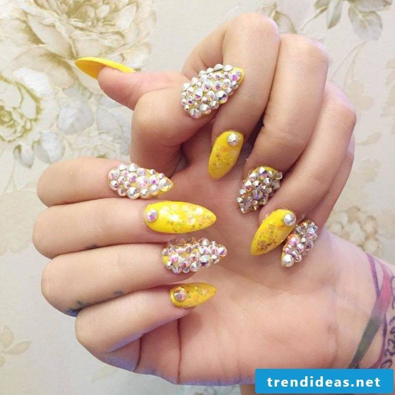 Fingernail design stones