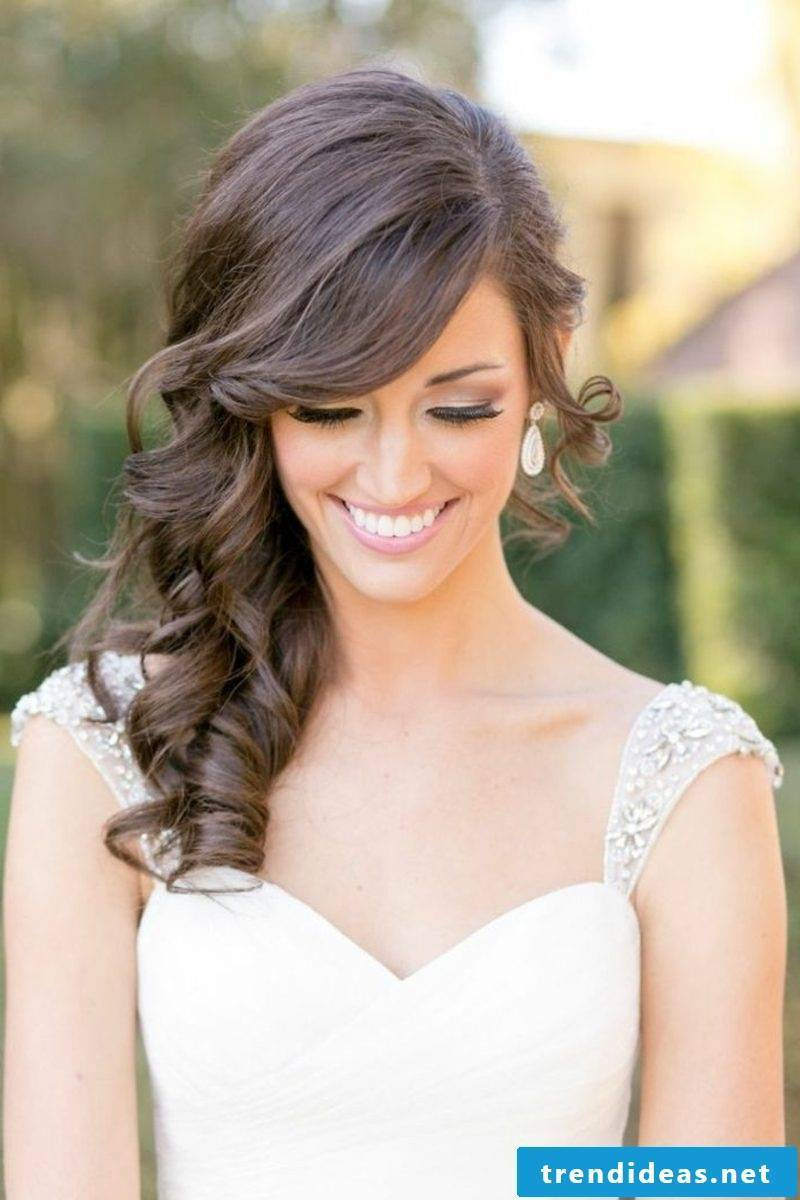 simple wedding hairstyle curly hairstyle bridesmaid