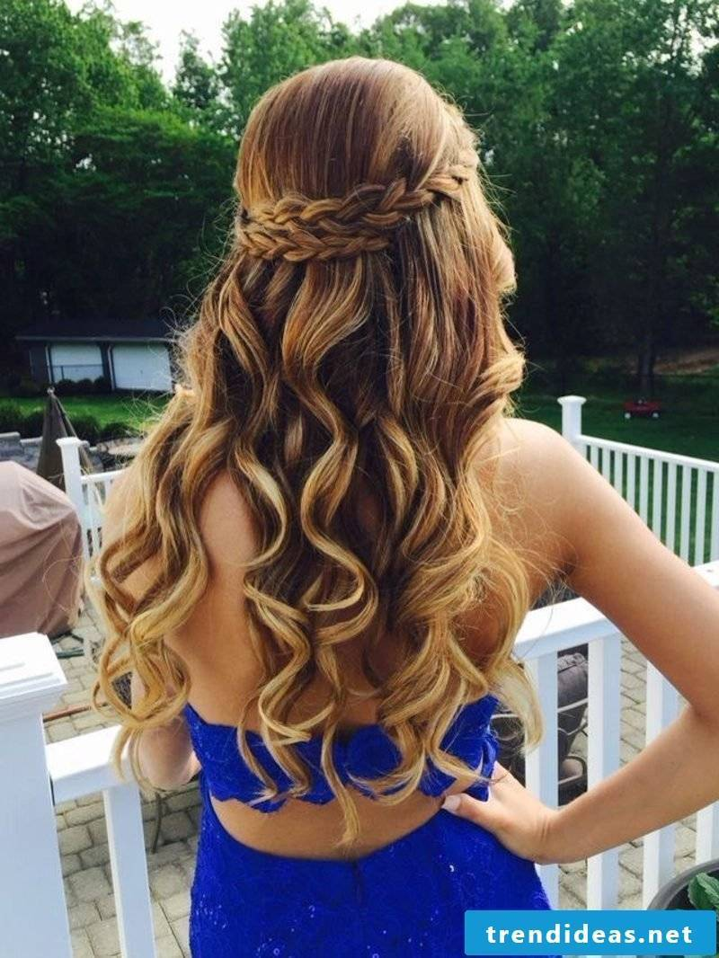 Wedding Hairstyles Bridesmaid gorgeous curly hairstyle