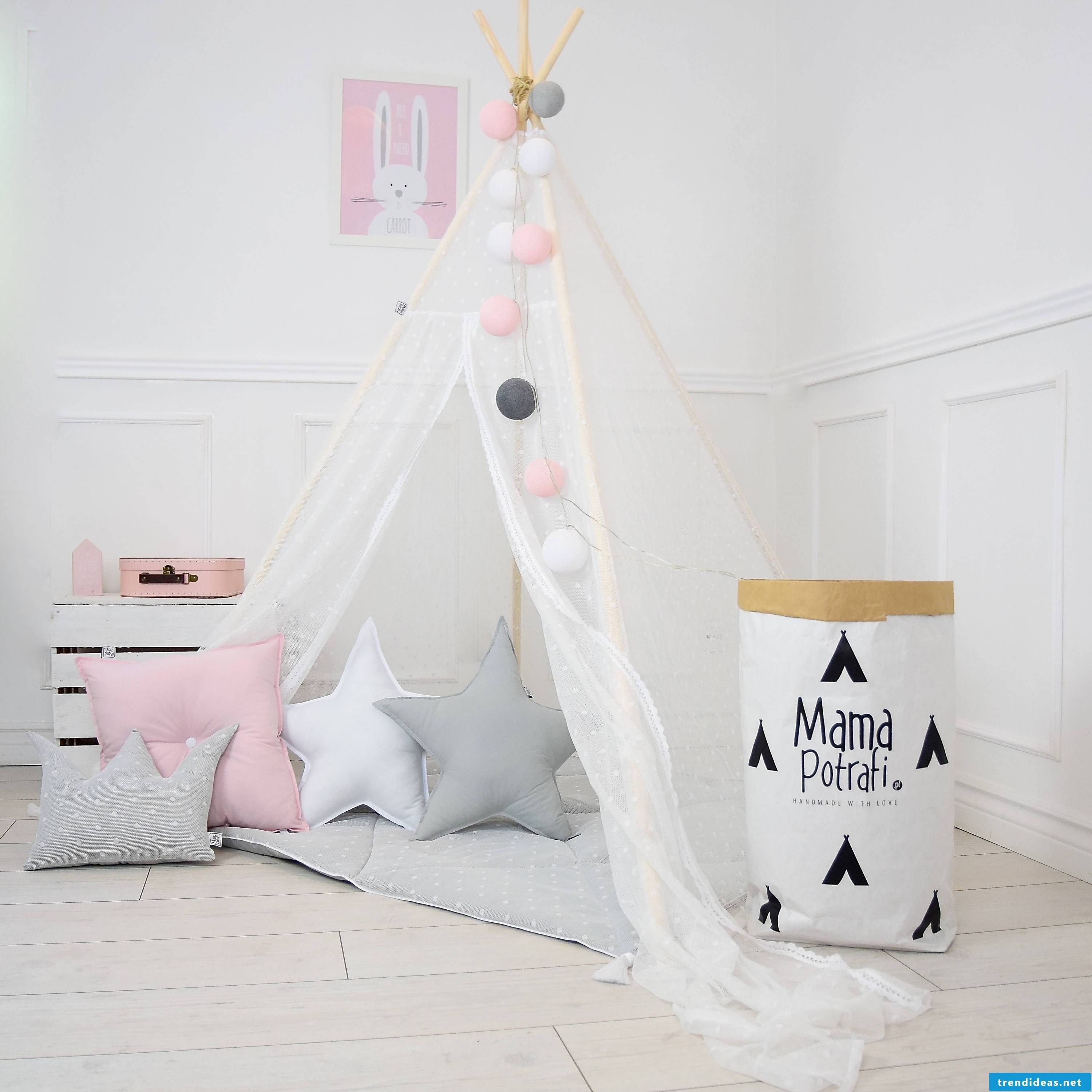 Mom can do it all - find cool here Collect cool ideas for beginners and follow this tipi tent