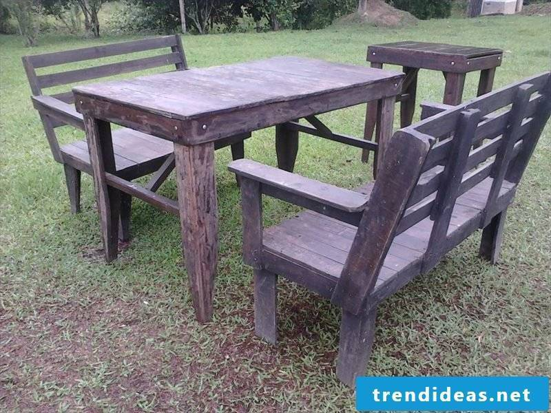 garden table build yourself pallet garden furniture