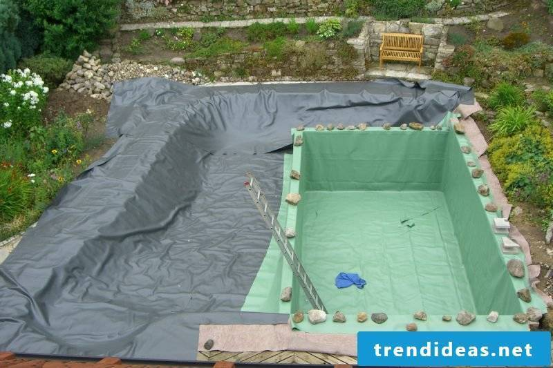 Floating pond itself build easy