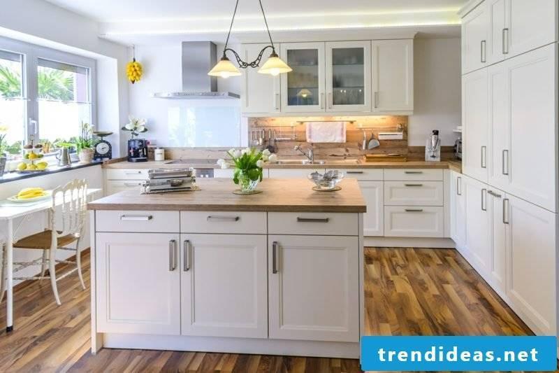 Kitchen island classic design