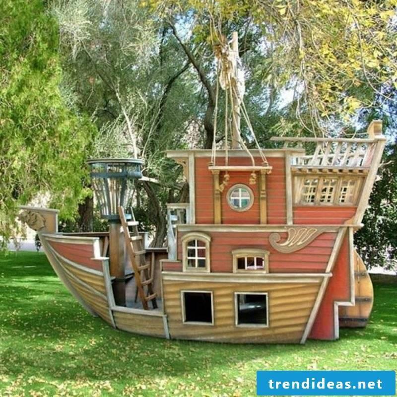 Playhouse garden playground equipment
