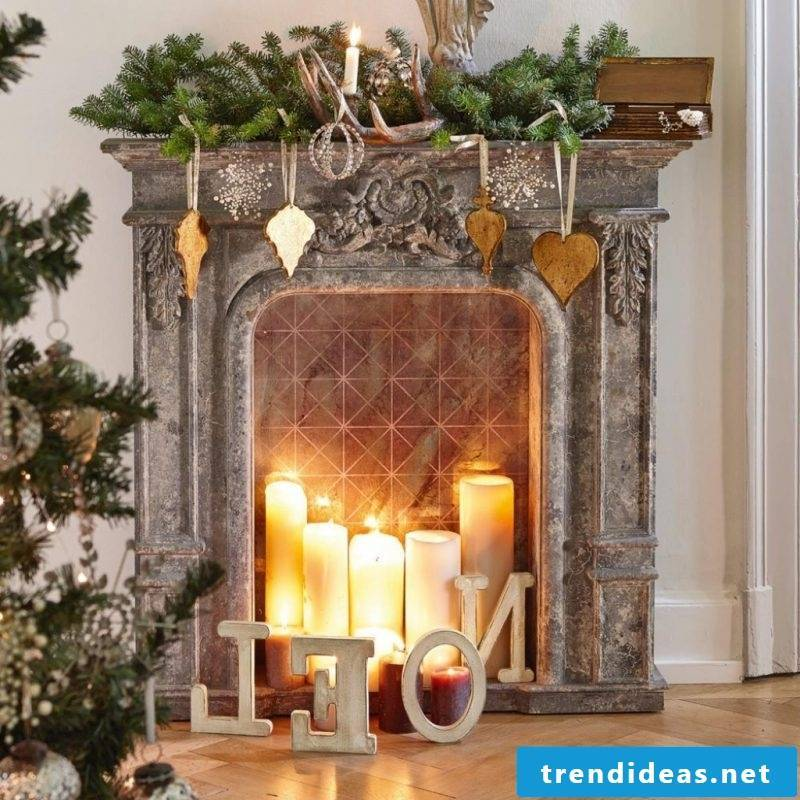 Chimney console decoration for Christmas