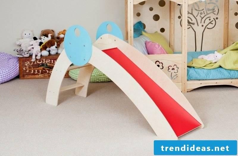 Crib build up slide