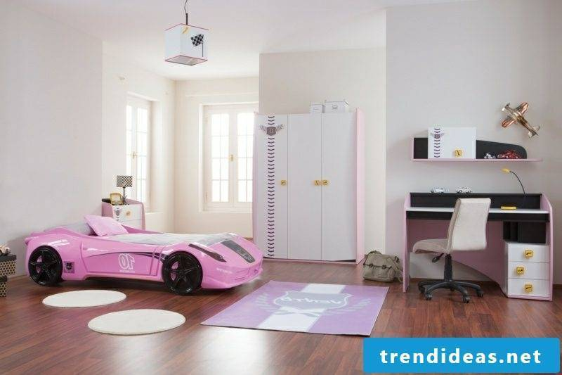growing baby bed with car girl room