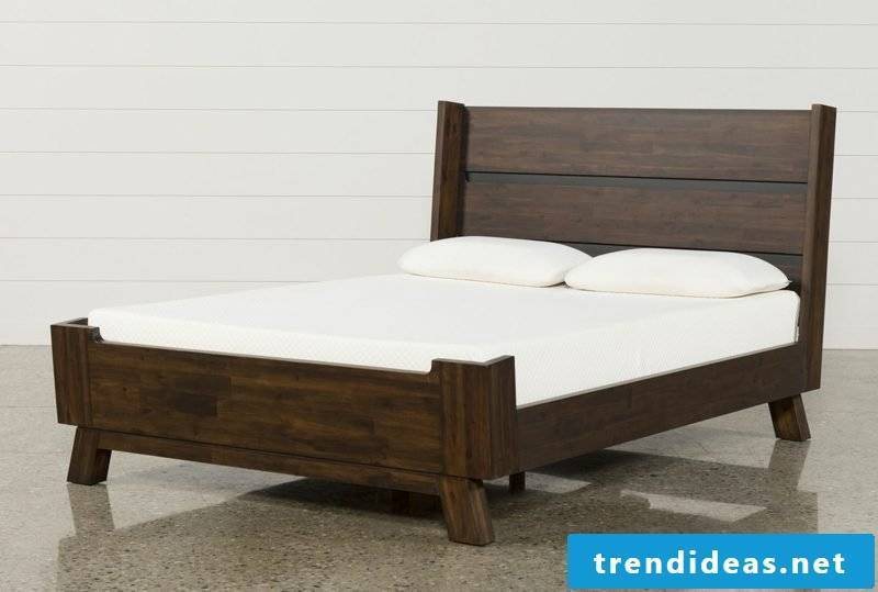 Amazing Queen Sized Bed Decoration