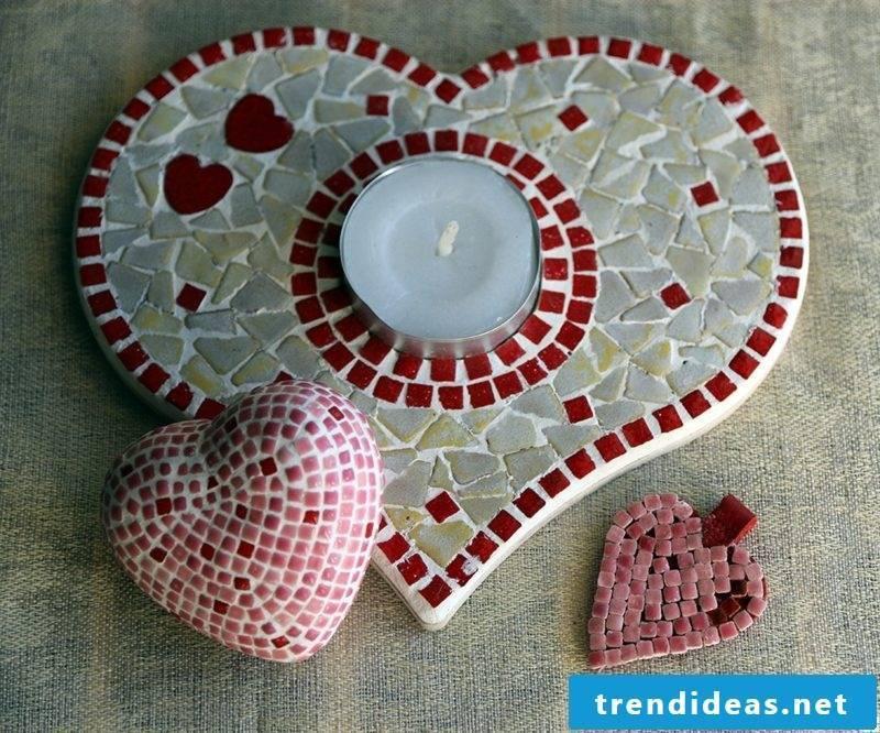Mosaic make mosaic hearts