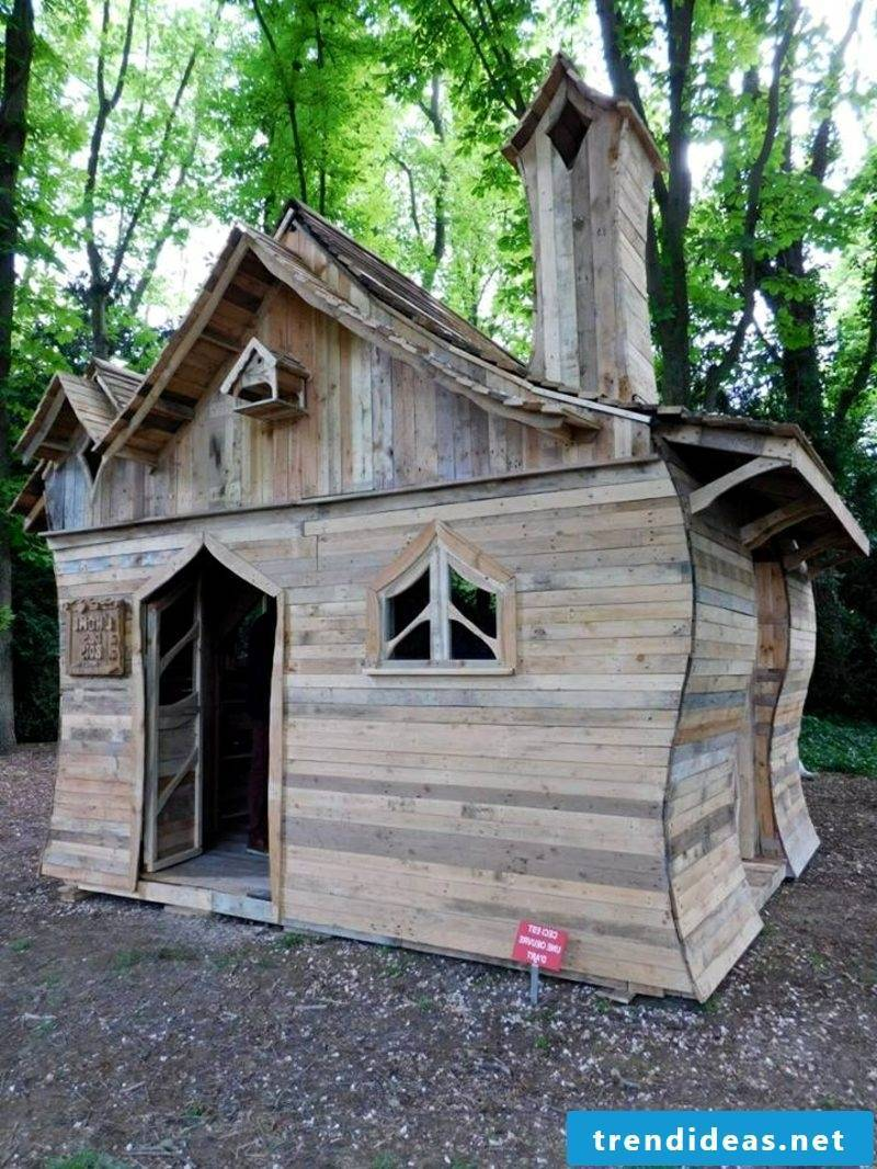 wooden bungalow pallet cabin with funny building