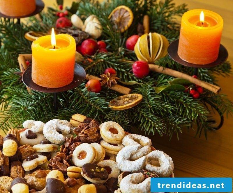 Advent wreath - the classic is with pine cones and 4 candles