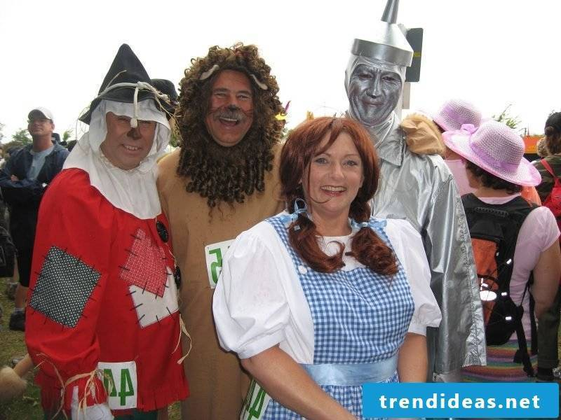 carnival group costumes alice and friends