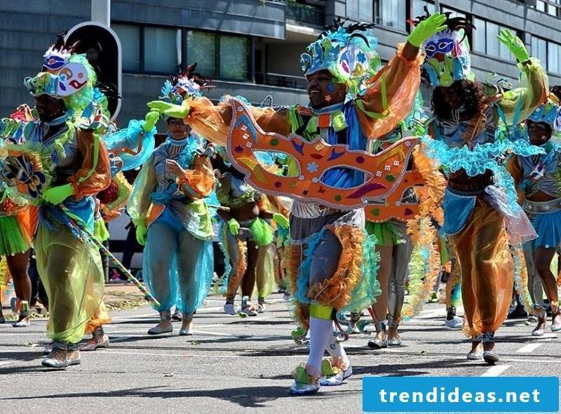 carnival group costumes funny